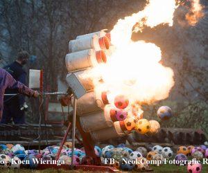 Carbidschieten – Met donderend geweld knallen we het nieuwe jaar in.