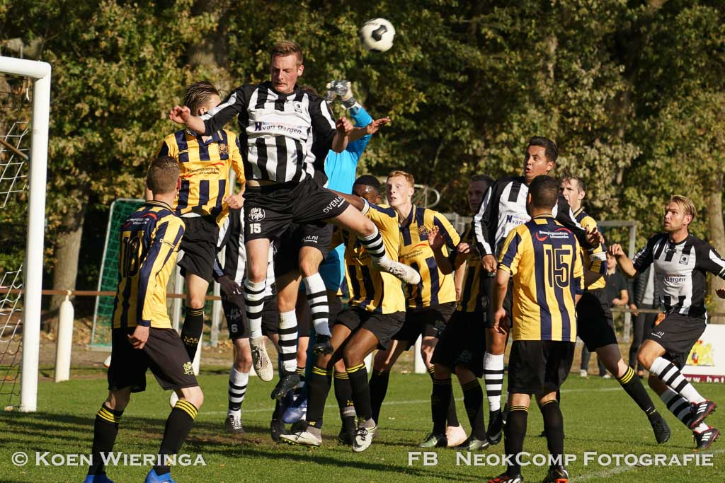 2018-10-14 VV Roden sleept punt binnen  tegen LAC Frisia 1993 = 2-2