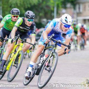 2019-07-01, Start wielermeerdaagse in Nieuw Roden prooi voor Ronald Kruijer