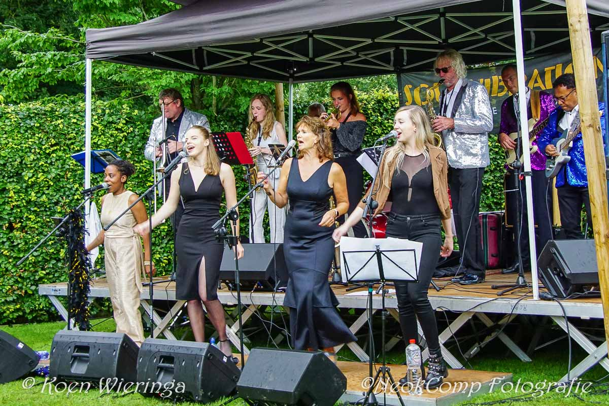 2021-08-22 Prachtig optreden van Soul Vibration bij Brinkpop in de Tuun (Café Ensing in Peize)