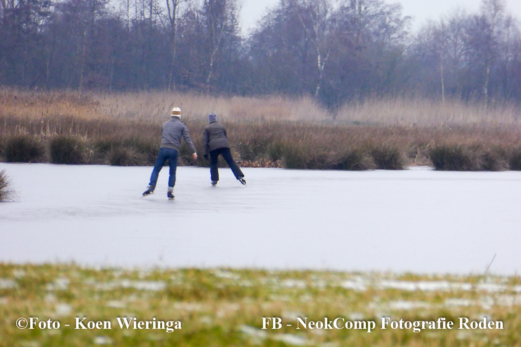 Schaatspioniers OP de Onlanden nabij Leekstermeer.