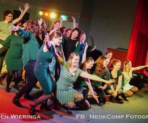 Schitterend optreden van dameskoor Cero dos tres met New Orleansband The Boomerangs.